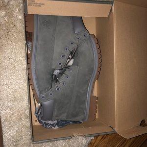 Gray timberland junior boots